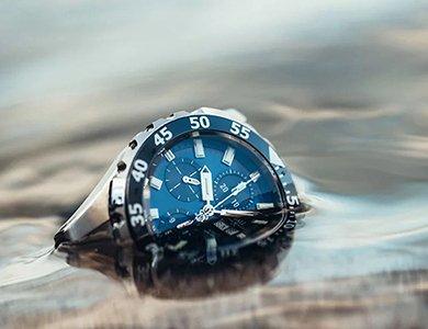 Zegarek wodoszczelny – jaki wybrać? Klasy wodoszczelności zegarków