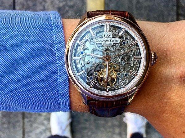 Prestiż skeletonowanych zegarków