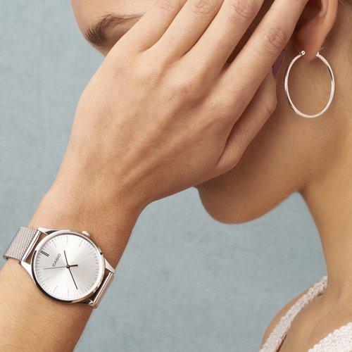 Damski zegarek Casio Instashape LTP-E140D-7AEF w interesującym, srebrnym kolorze.