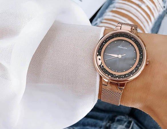 Kobiece zegarki Adriatica z tarczą perłową