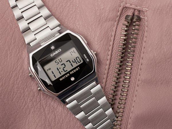 Stylowy zegarek Casio Vintage dla osób leworęcznych.
