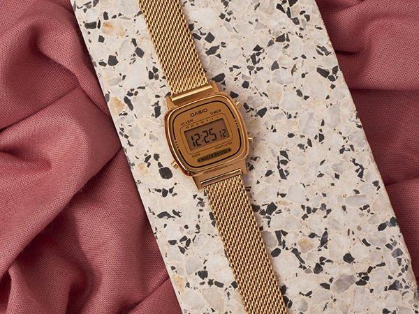 Zegarki Casio damskie na bransolecie mesh
