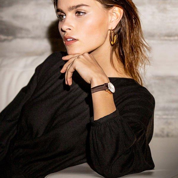 Piekny zegarek Certina z mechanizmem automatycznym dla niej.