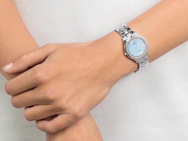 Damski zegarek tytanowe komfortowy w noszeniu