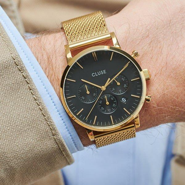 Zegarek Cluse na złotej bransolecie mesh.