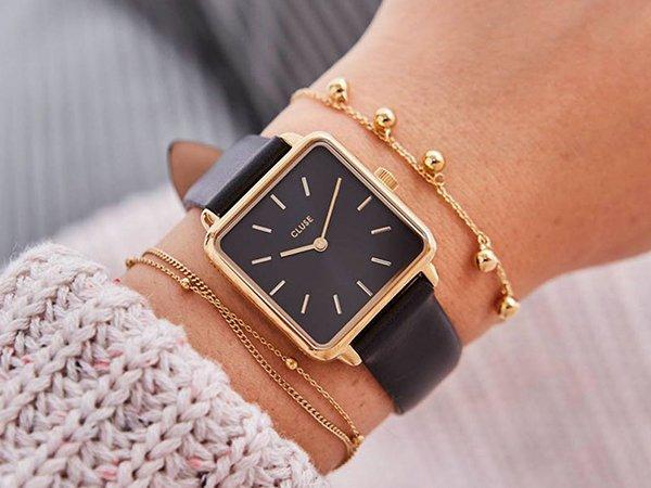 Kwadratowa tarcza w zegarkach Cluse