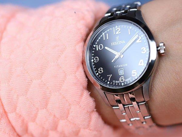 Atrakcyjne zegarki tytanowe idealne na każdą okazję.
