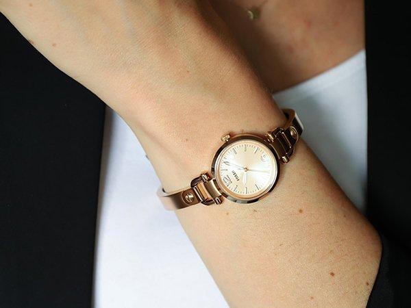 Ponadczasowa stylistyka zegarków Fossil Georgia