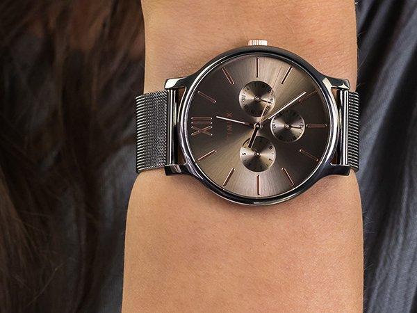 Codzienna elegancja z zegarkiem Timex Transcend