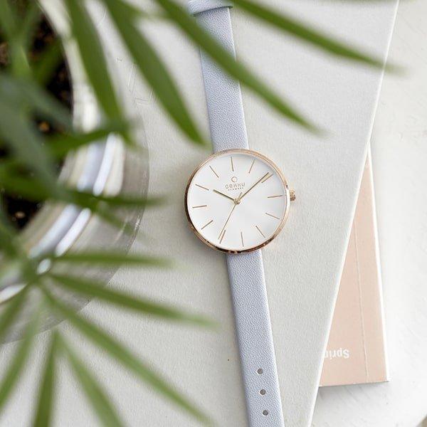 Minimalistyczny zegarek Obaku Denmark na delikatnym pasku.