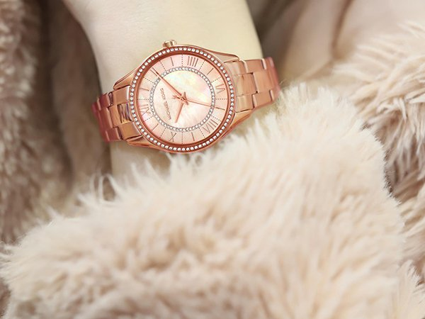 1. Subtelna elegancja - zegarek Michael Kors Lauryn