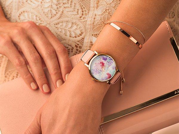 Elegancki zegarek walentynkowy od marki Timex