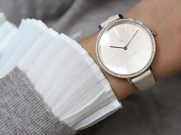 Biżuteryjne zegarki Tommy Hilfiger damskie na pasku