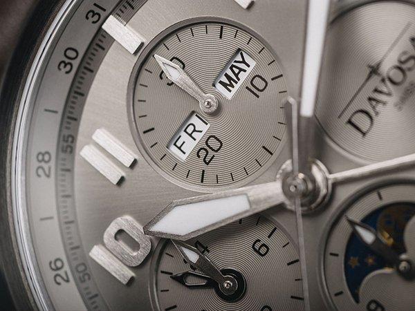 Zegarek Davosa Newton dla miłośników czasomierzy