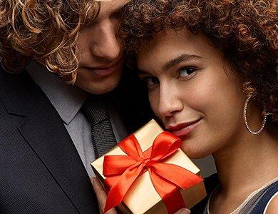 Prezent na Dzień Chłopaka. 7 propozycji zegarków męskich do 200 zł idealnych na prezent dla chłopaka i mężczyzny