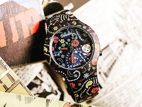 Na czarno, czy na biało? Jaki zegarek Doodle wybierzesz?