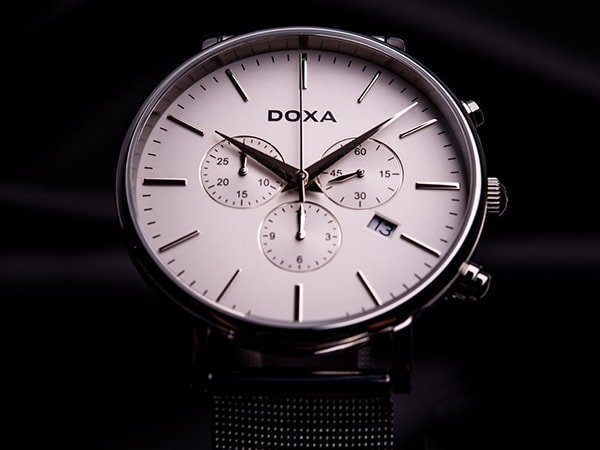 Elegancki zegarek Doxa D-Light