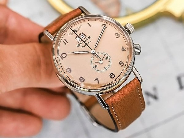 Niezawodna budowa zegarków Iron Annie Amazonies