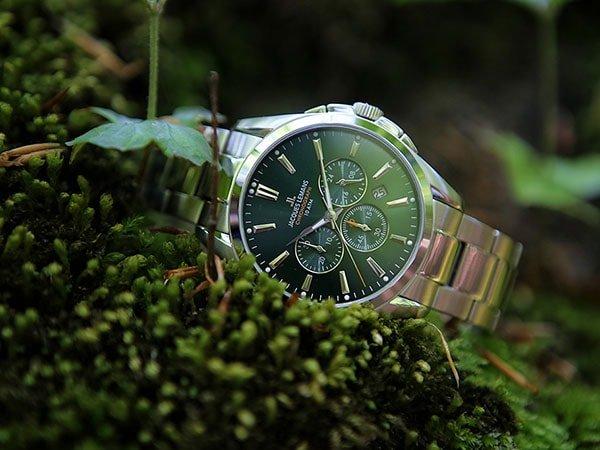 Stylowy zegarek Jacques Leman na srebrnej bransolecie z zieloną tarczą z subtarczami.