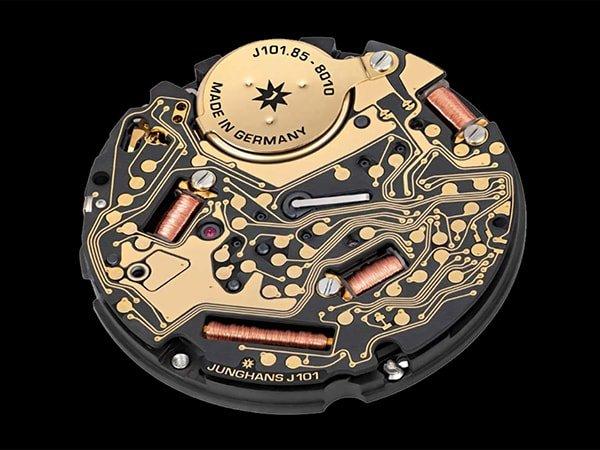Zegarek Max Bill Mega Solar – szeroka funkcjonalność - mechanizm100%