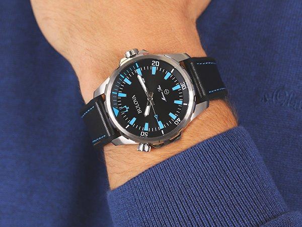 wyjątkowy zegarek Bulova w czarno niebieskim kolorze