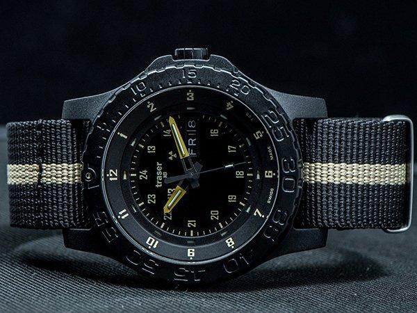 Wiele opcji mocowań zegarków Traser P66 Tactical Mission