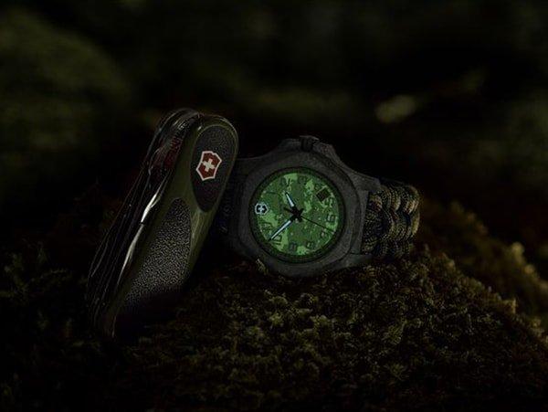 Victorinox I.N.O.X Carbon - narzędzie zawodowego żołnierza