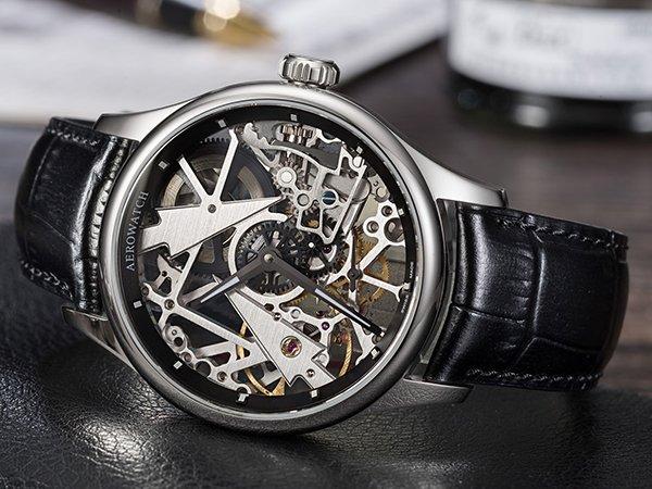 Wyjątkowy zegarek Aerowatch z mechaznimem mechanicznym oraz widocznym mechaznimem