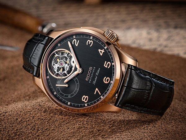 Czarny zegarek Epos z kopertą w kolorze różowego złota oraz tarczą typu open heart
