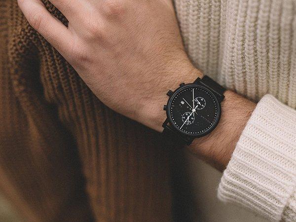 Modny zegarek Meller Makonnen na bransolecie mesh w czanym kolorze