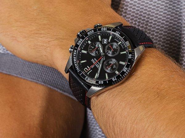 3. Festina Titanium - zegarek na Walentynki w sportowej stylistyce