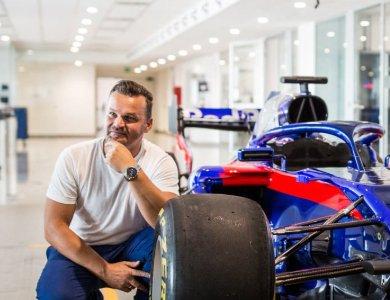 ZEGAREK.NET w  fabryce bolidów Formuły 1!