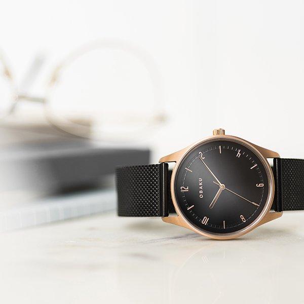 Zegarek Obaku Denmark na czarnej, mediolańskiej bransolecie.