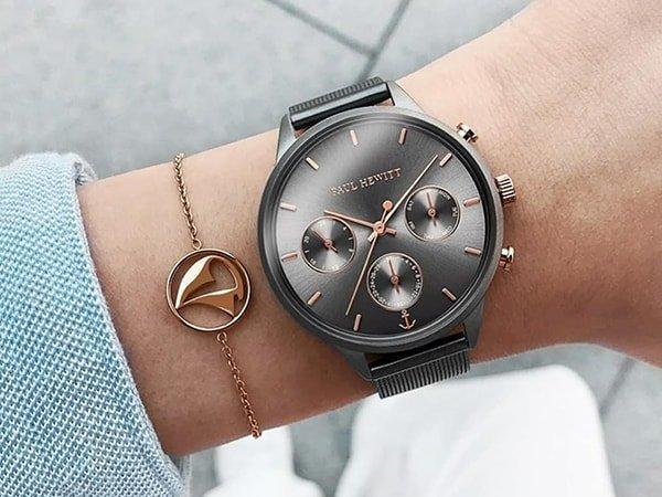 Szare zegarki Paul Hewitt z akcentami w kolorze różowego złota