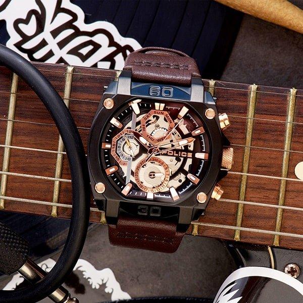 Zegarki Police na pasku z tworzywa sztucznego