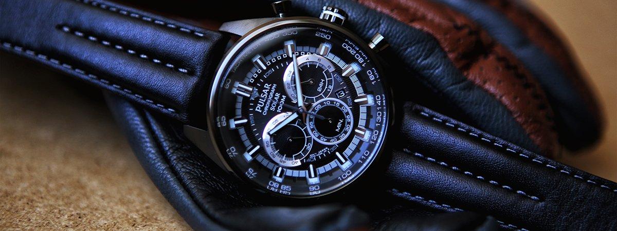 Zegarek Pulsar z datownikiem