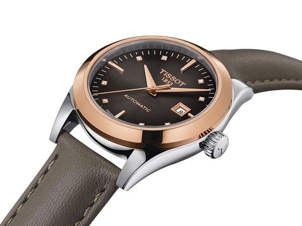 Eleganckie złote zegarki dla każdej kobiety wykonane ze złota