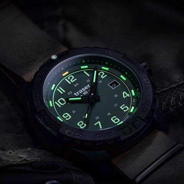 Zegarek Traser z niezawodnym oświetleniem