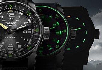 Niezawodny, męski zegarek Traser TS-107718 z analogową tarczą w czarnym kolorze oraz szafirowym szkiełkiem gwarantującym wysoką odporność.