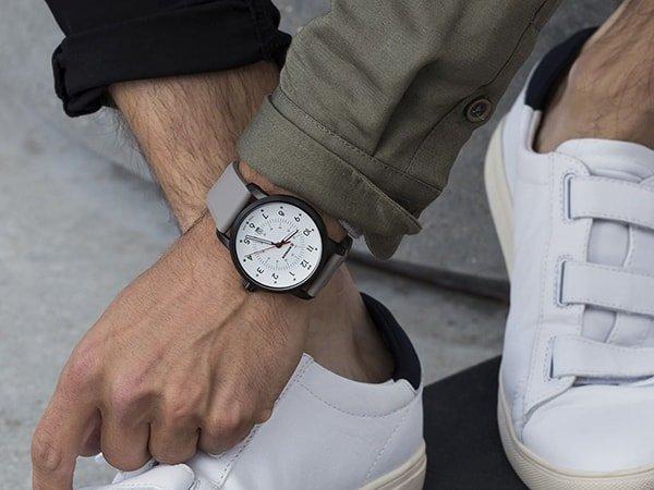 Stylowe zegarki Wenger w miejskim stylu