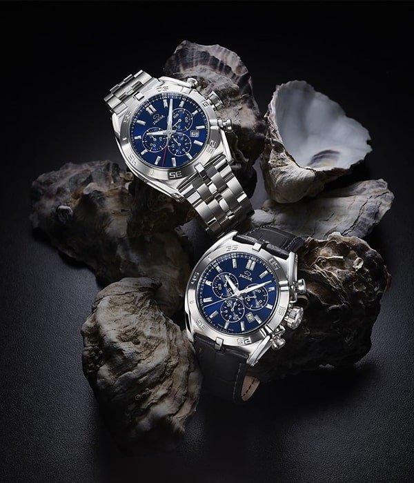 Zegarki Jaguar z granatowymi tarczami oraz subtarczami