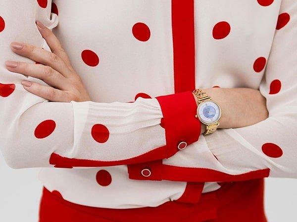 Unikalne wzornictwo zegarków Anne Klein na bransolecie