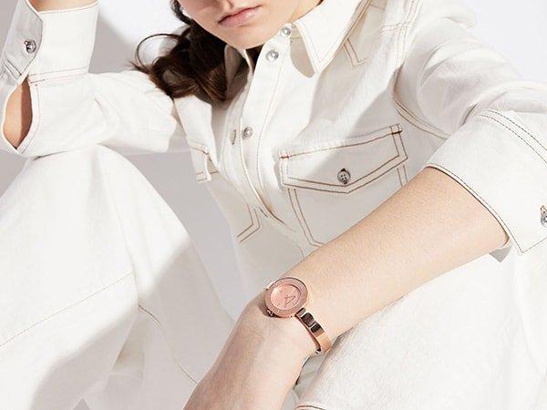 Modny zegarek damski Armani Exchange