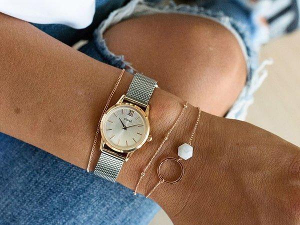 Znajdź nowy zegarek damski na wyprzedaży