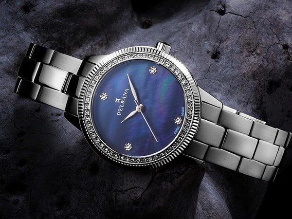 Zegarki Delbana na bransolecie klasycznej w srebrnym kolorze
