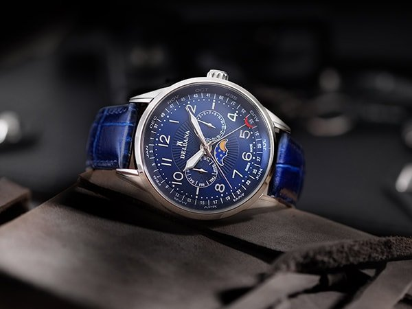 Zegarek Delbana na pasku w niebieskim kolorze