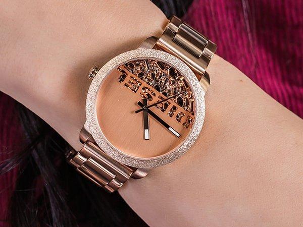 Damskie zegarki Diesel - blask, efekt i kobiecość