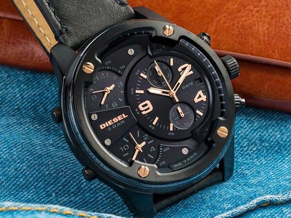 Czarny zegarek Diesel Boltdown z akcentami w kolorze różowego złota