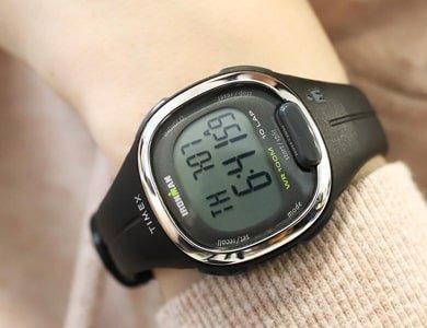 6 zegarków wspomagających aktywność bez wychodzenia z domu