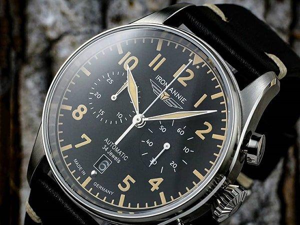 Zegarki Iron Annie na skórzanym pasku w czarnym kolorze ze skóry